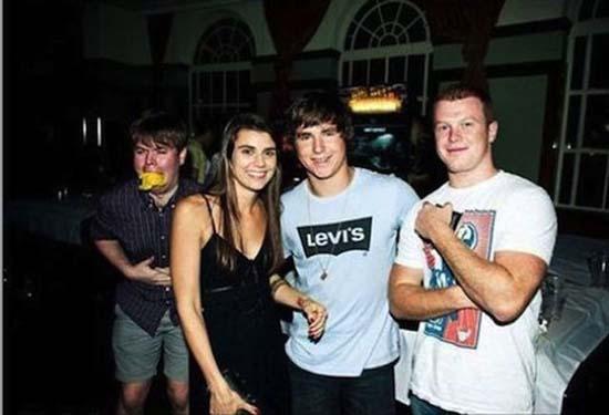 Φωτογραφίες από πάρτι τραβηγμένες την κατάλληλη στιγμή (16)