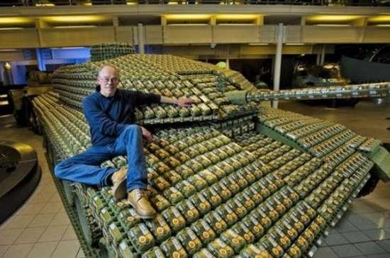 Έφτιαξε Tank με 5.000 αυγοθήκες (3)