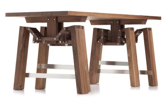 Τραπέζι που περπατάει