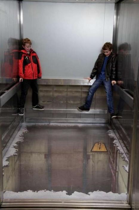 Τρομακτικές οφθαλμαπάτες σε ασανσέρ (5)