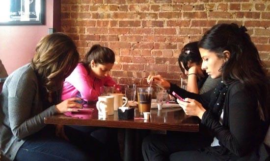 10 τρόποι διασκέδασης με τους φίλους σας (3)