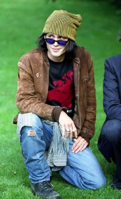 Τα διαφορετικά στυλ του Johnny Depp από το 1994 μέχρι σήμερα (1)