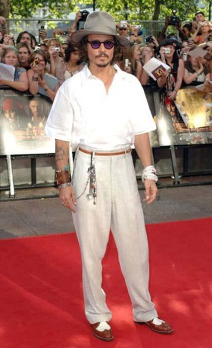 Τα διαφορετικά στυλ του Johnny Depp από το 1994 μέχρι σήμερα (6)