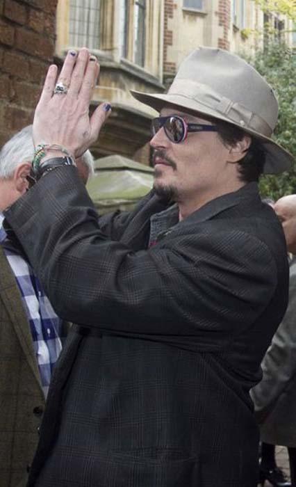 Τα διαφορετικά στυλ του Johnny Depp από το 1994 μέχρι σήμερα (18)
