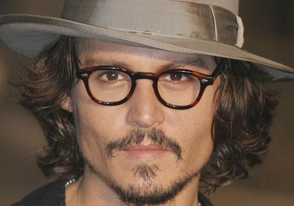 Τα διαφορετικά στυλ του Johnny Depp από το 1994 μέχρι σήμερα (22)