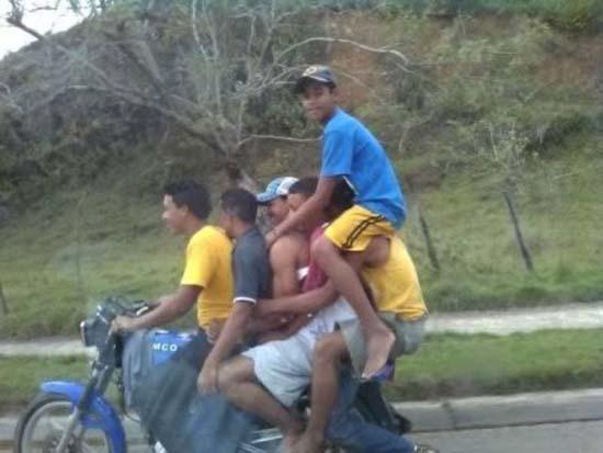 Δημόσιοι κίνδυνοι πάνω σε μοτοσυκλέτες (2)