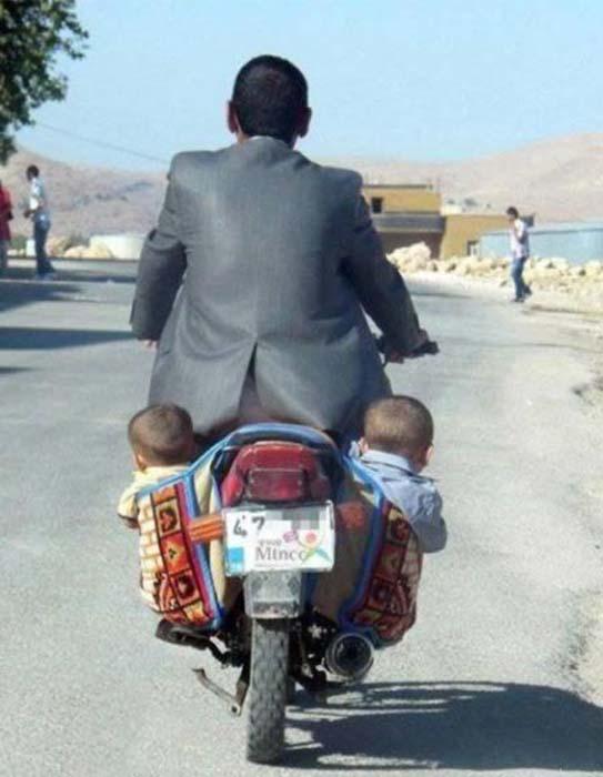 Δημόσιοι κίνδυνοι πάνω σε μοτοσυκλέτες (3)