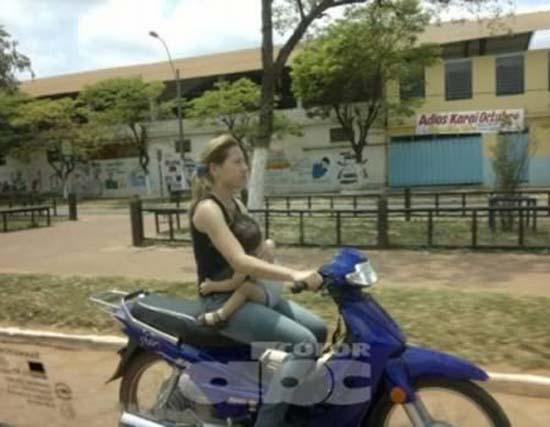 Δημόσιοι κίνδυνοι πάνω σε μοτοσυκλέτες (8)