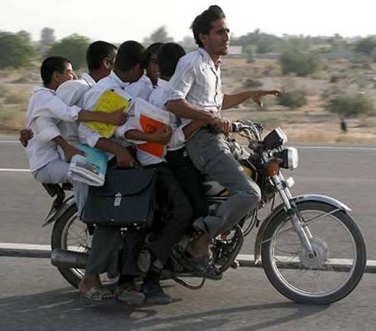 Δημόσιοι κίνδυνοι πάνω σε μοτοσυκλέτες (10)
