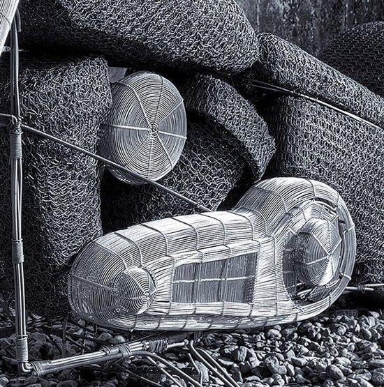 Εκπληκτικά γλυπτά από σύρμα του Derek Kinzett (3)