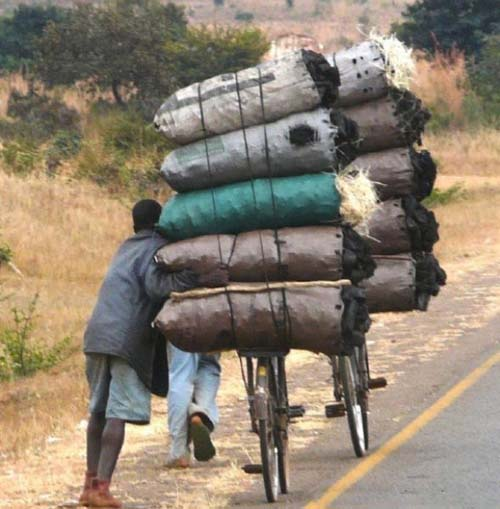 Εν τω μεταξύ στην Αφρική... (7)