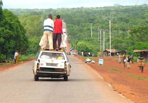 Εν τω μεταξύ στην Αφρική... (14)