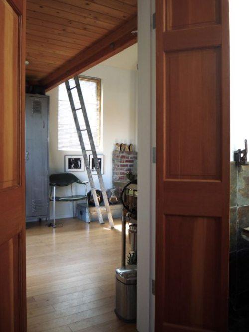 Εντυπωσιακή μετατροπή ενός γκαράζ σε σπίτι (4)