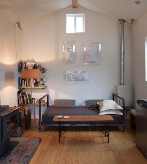 Εντυπωσιακή μετατροπή ενός γκαράζ σε σπίτι (11)