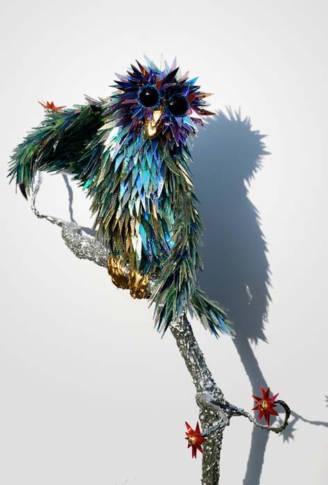 Γλυπτά ζώων από σπασμένα CDs (2)