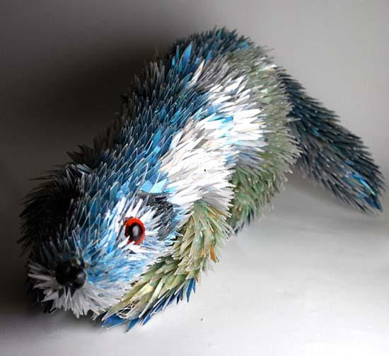 Γλυπτά ζώων από σπασμένα CDs (8)