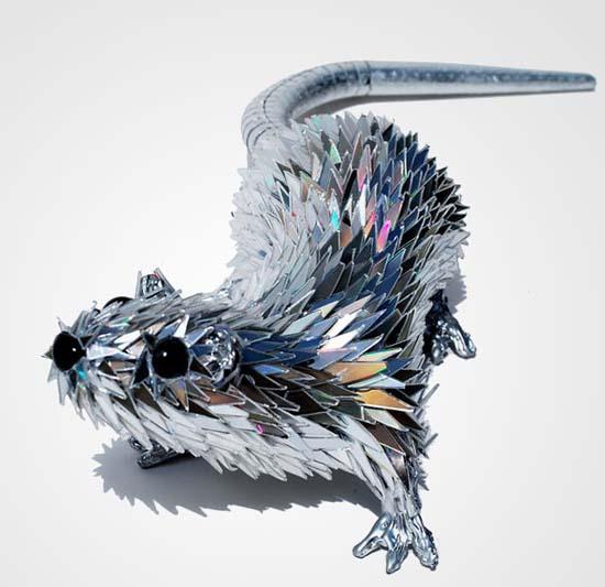 Γλυπτά ζώων από σπασμένα CDs (16)