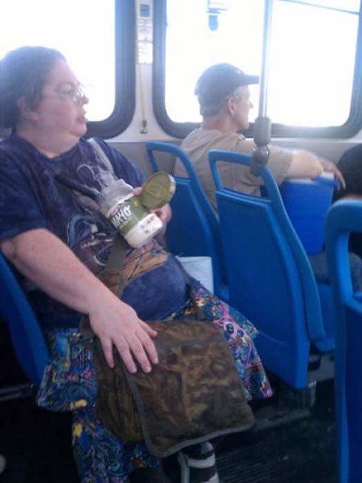 Τα πιο παράξενα περιστατικά στο λεωφορείο (7)
