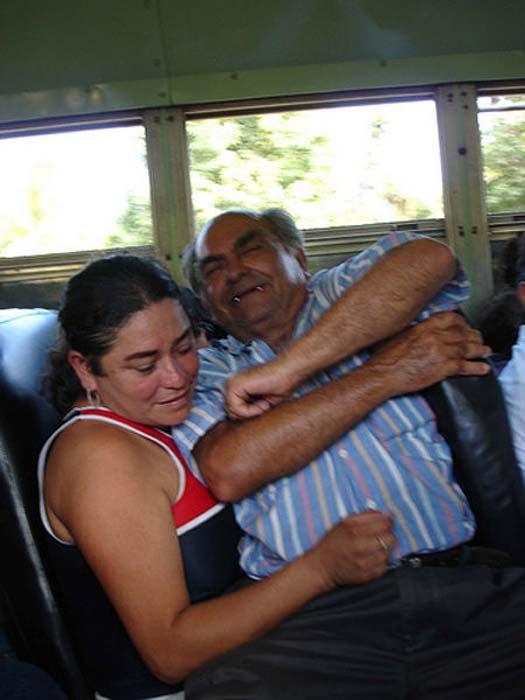 Τα πιο παράξενα περιστατικά στο λεωφορείο (11)