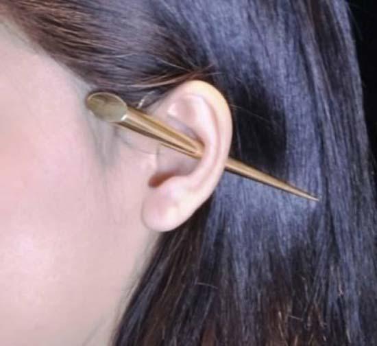 Παράξενα σκουλαρίκια (4)