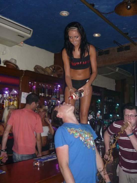 Φωτογραφίες από πάρτι τραβηγμένες την κατάλληλη στιγμή (17)