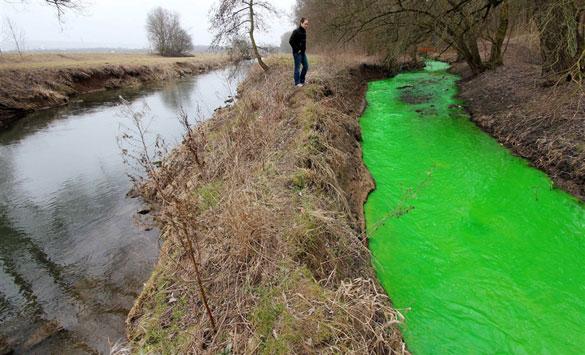 Φωτογραφία της ημέρας: Το πράσινο ποτάμι (2)