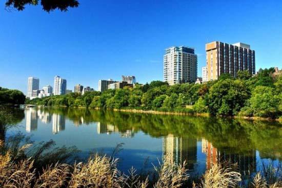 10 πανέμορφες πόλεις καθρεφτίζονται στο νερό (2)