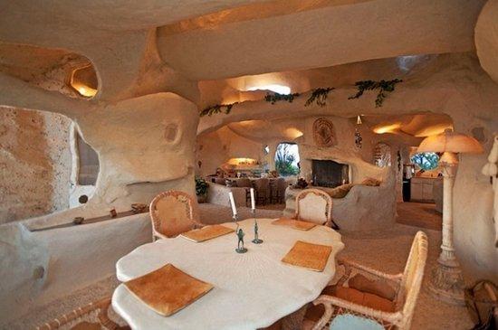 Το σπίτι των Flintstones υπάρχει και πωλείται (1)