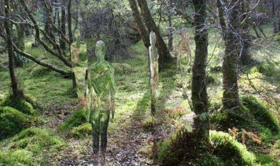 Τρομακτικά γλυπτά μέσα στο δάσος (3)