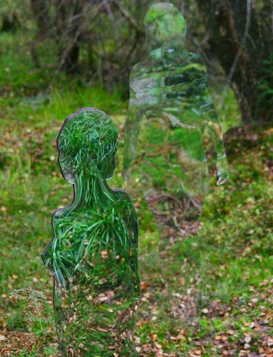 Τρομακτικά γλυπτά μέσα στο δάσος (5)