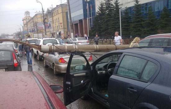 Αναπάντεχο τροχαίο ατύχημα στη Ρωσία (4)