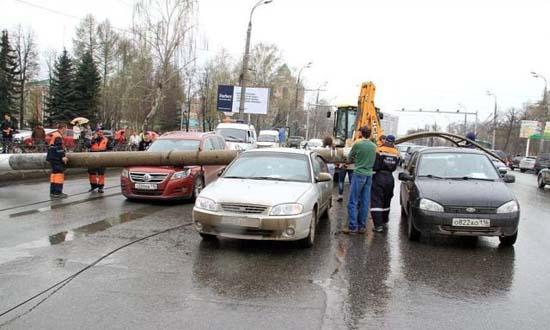 Αναπάντεχο τροχαίο ατύχημα στη Ρωσία (5)