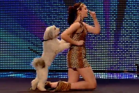 Απίθανη εμφάνιση κοπέλας & σκύλου στο Britain's Got Talent