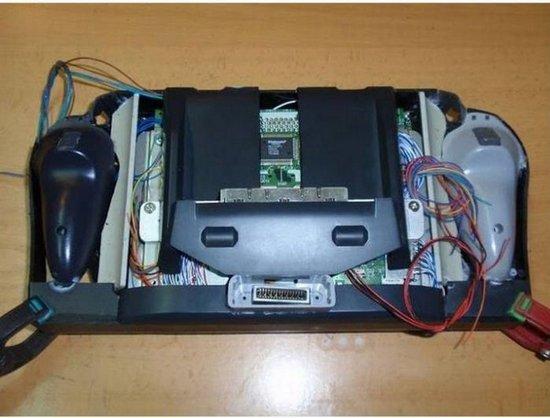 Η απίθανη μετατροπή ενός Nintendo 64 (11)