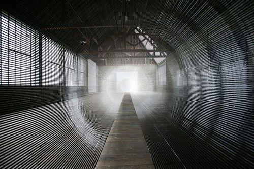 Από τι είναι φτιαγμένο αυτό το τούνελ; (2)