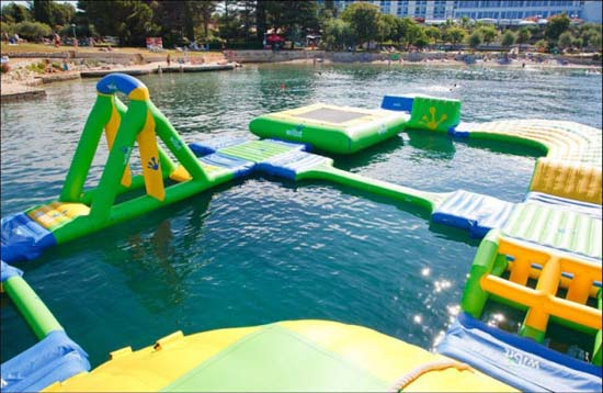 Εκπληκτικά φουσκωτά water parks (9)