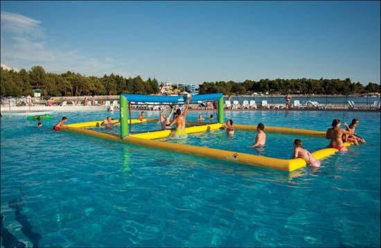 Εκπληκτικά φουσκωτά water parks (15)