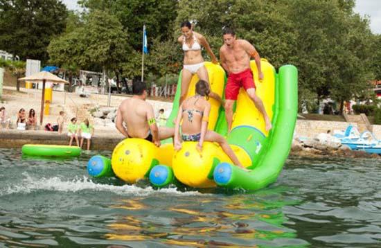 Εκπληκτικά φουσκωτά water parks (21)