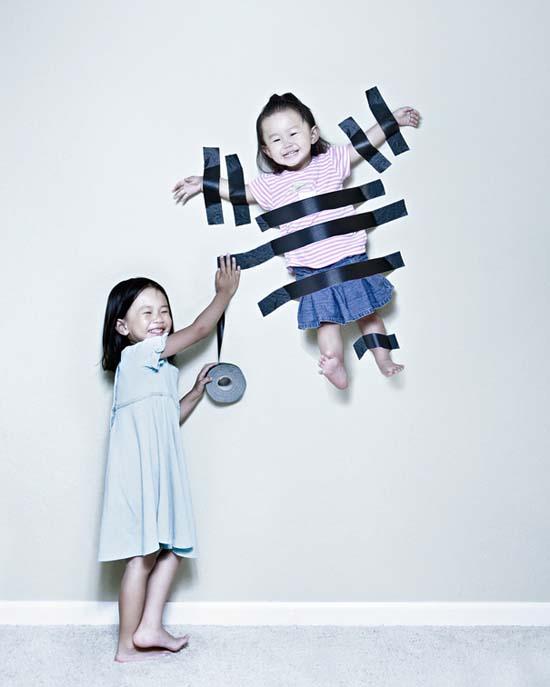 Δημιουργικός πατέρας φωτογράφος βγάζει εκπληκτικές φωτογραφίες με τις κόρες του (12)