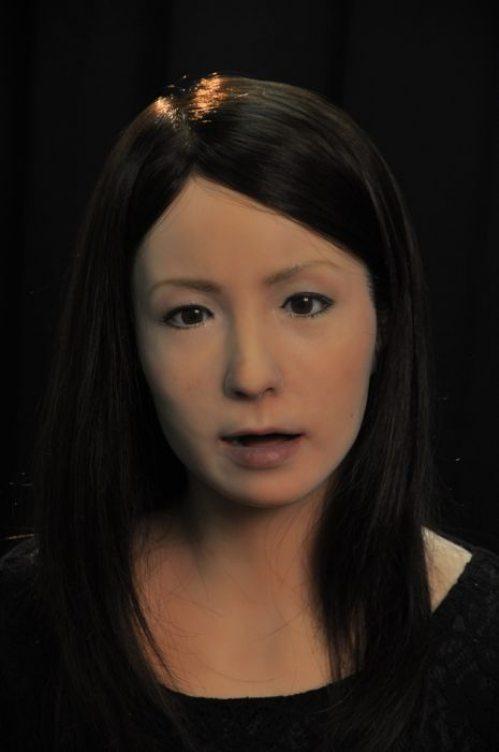 Γυναίκα ρομπότ που μοιάζει σχεδόν αληθινή (8)