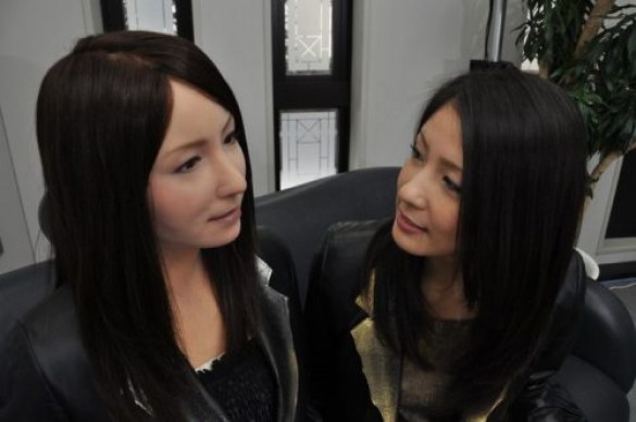 Γυναίκα ρομπότ που μοιάζει σχεδόν αληθινή (14)