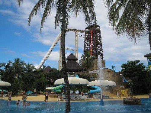 Insano: Η ψηλότερη νεροτσουλήθρα στον κόσμο (2)