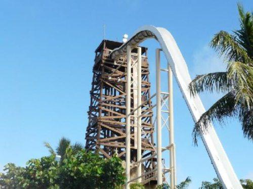 Insano: Η ψηλότερη νεροτσουλήθρα στον κόσμο (4)