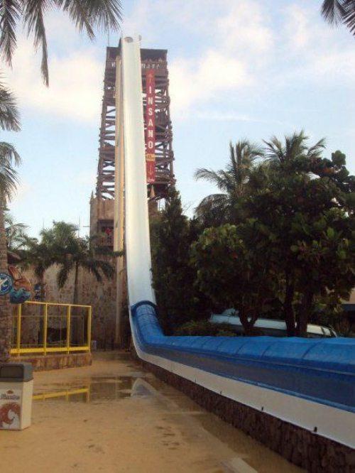 Insano: Η ψηλότερη νεροτσουλήθρα στον κόσμο (8)