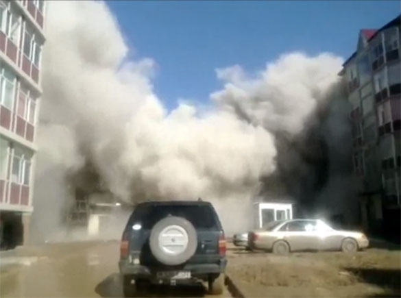 Σοκαριστική κατάρρευση 5όροφου κτηρίου στο Καζακστάν