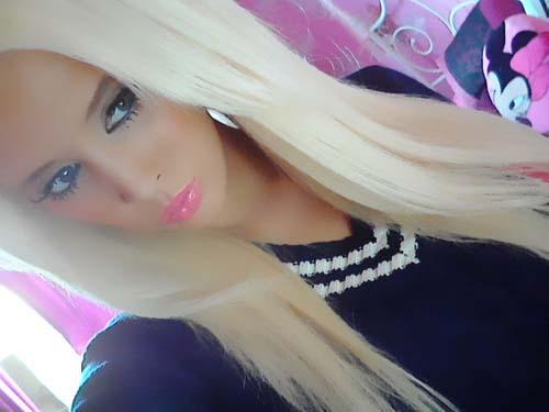 Laura Catherine Vinicombe: Το κορίτσι «Barbie» (9)