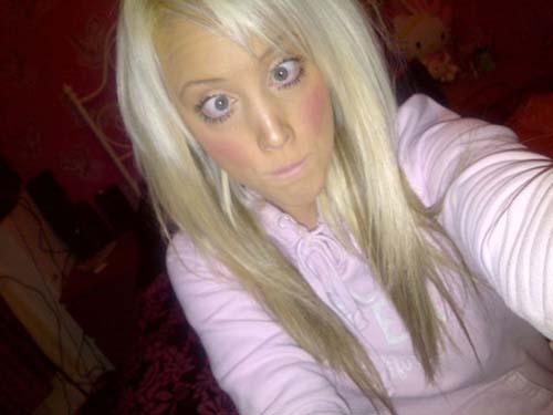 Laura Catherine Vinicombe: Το κορίτσι «Barbie» (22)
