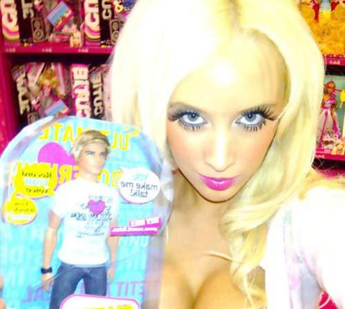 Laura Catherine Vinicombe: Το κορίτσι «Barbie» (24)