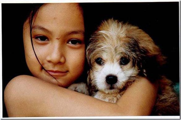 Ένα κορίτσι και ο σκύλος του 10 χρόνια μετά (1)