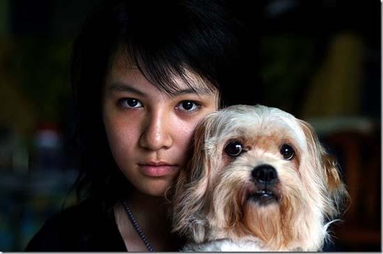 Ένα κορίτσι και ο σκύλος του 10 χρόνια μετά (2)